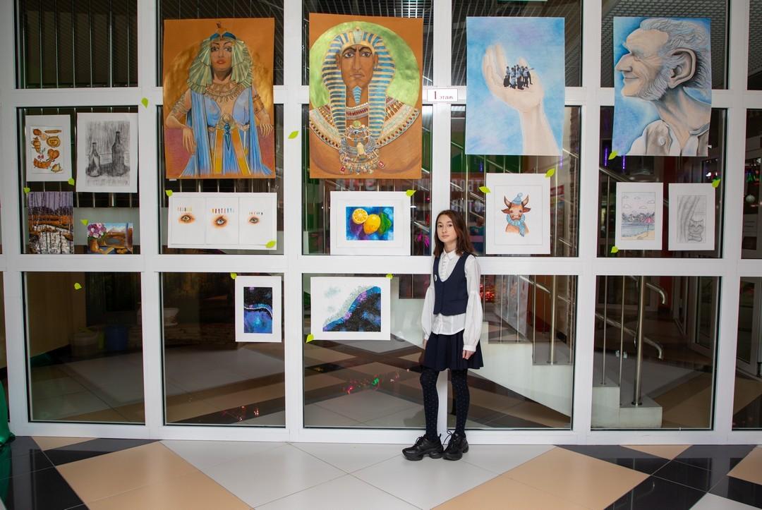 Выставка творческих работ ученицы 5 «Б» класса Уткеловой Доротеи