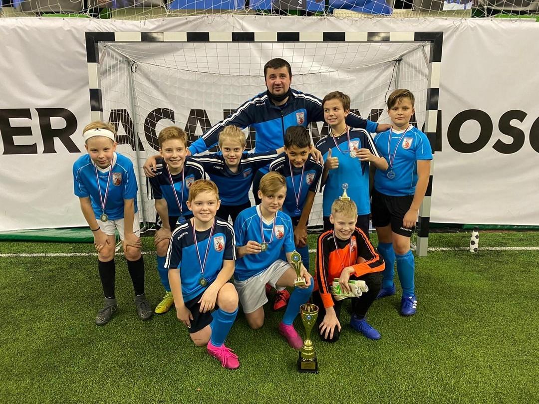 Поздравляем нашу футбольную команду, занявшую 2 место в турнире по футболу!