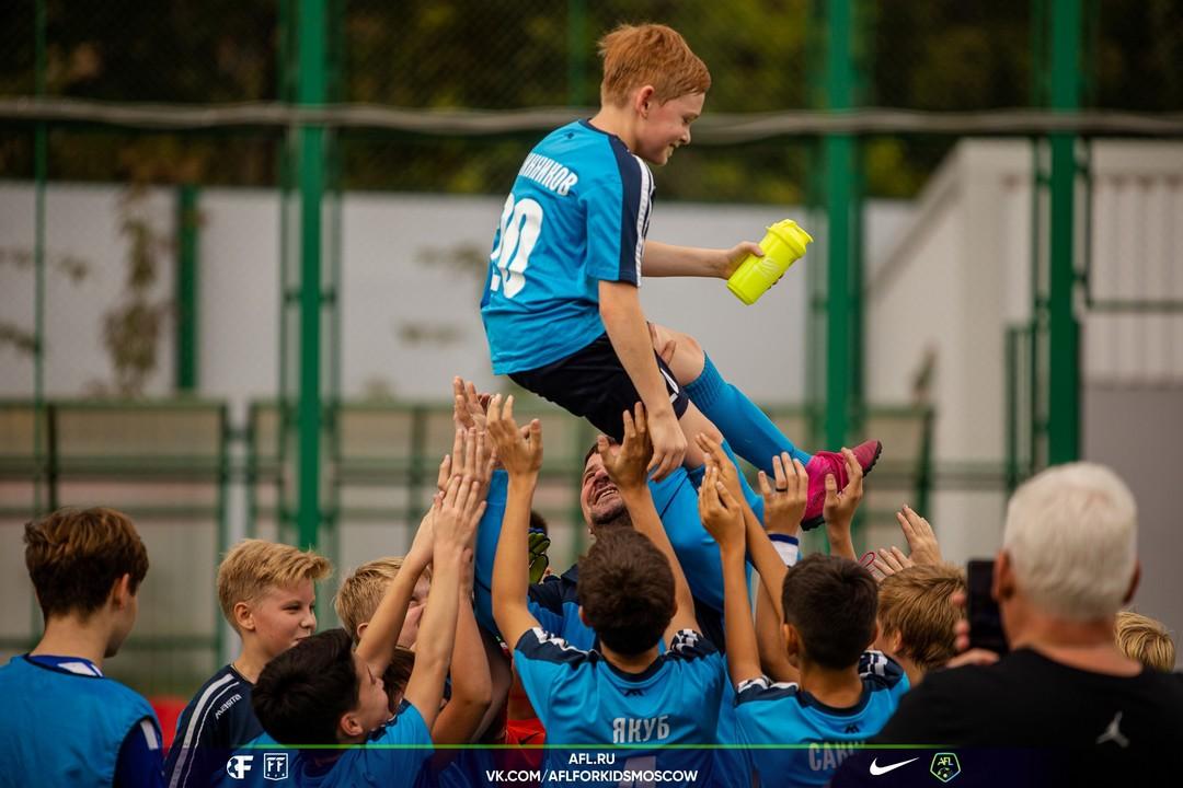 Поздравляем нашу футбольную команду