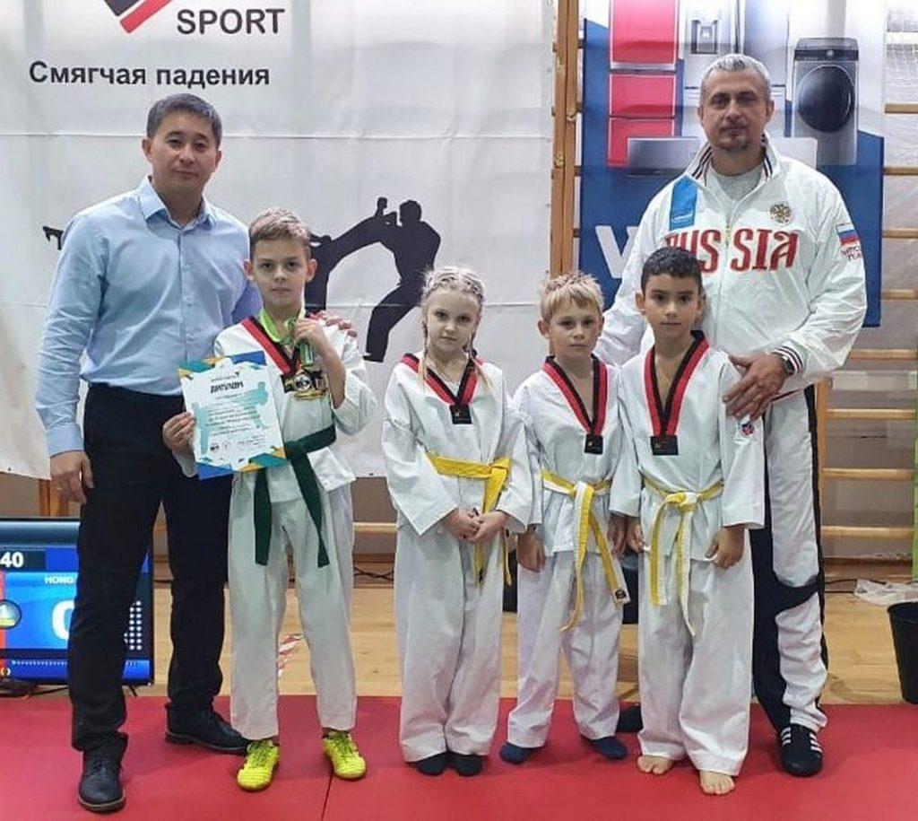 Поздравляем наших тхэквондистов с победой на международном турнире